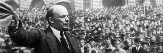 Le lendemain de la Révolution d'octobre 1917, les soviets proclamaient la Paix et le partage des terres
