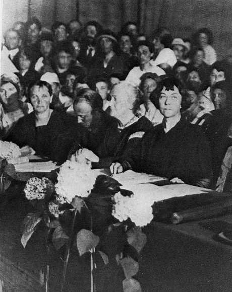 Conférence internationale des femmes de 1921, avec Clara Zetkin et Alexandra Kollontaï