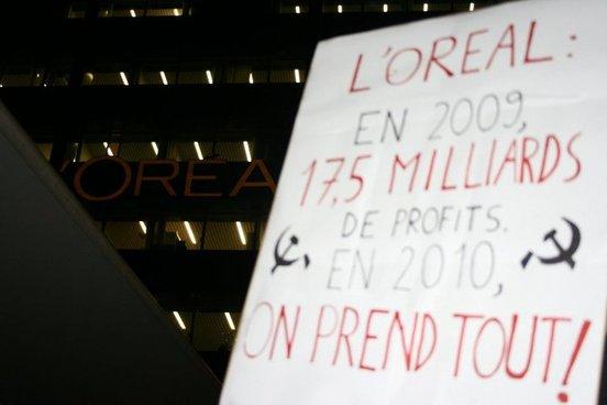 Les Jeunes Communistes occupent le siège de L'Oréal !