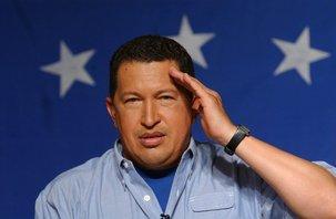 Hugo Chavez salue les communistes cubains