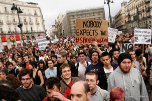 Le PCE et l'UJCE condamnent l'expulsion violente des manifestants de la Puerta Del Sol