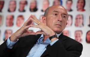 PS : Gérard Collomb insulte 90% des français qui ne gagnent pas 3000€ par mois