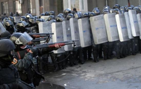 Ukraine : Il y a urgence à stopper le début de guerre civile