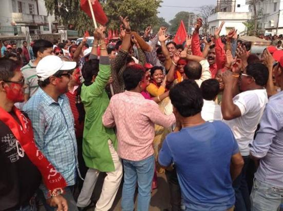 Victoire écrasante des communistes aux municipales du Tripura (Inde)