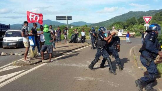 Mayotte au bord de l'embrassement après 2 semaines de grève générale