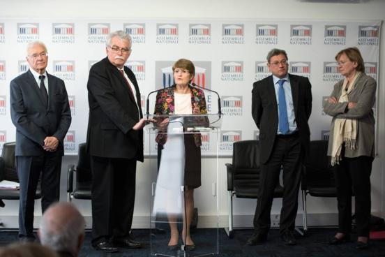 Loi travail: le Front de Gauche, opposé au texte, votera les motions de procédure LR