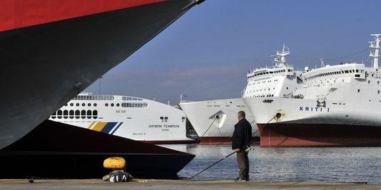 Le Parlement grec valide la cession du port du Pirée au géant chinois Cosco