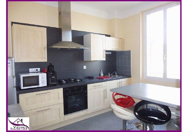 appartement f3 louer vichy meubl quartier de france. Black Bedroom Furniture Sets. Home Design Ideas