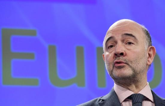 Pierre Moscovici (PS) s'est fait offrir des costumes de luxe chez le même tailleur que François Fillon