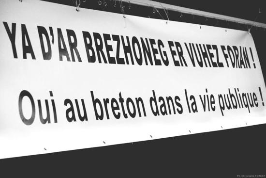 Ce que propose le PCF sur les langues régionales (ici le Breton)