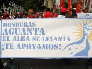 Coup d'Etat militaire au Honduras: rassemblement devant l'ambassade du Honduras à Paris