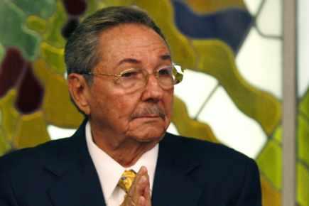 Le Honduras a un seul président déclare Raul Castro