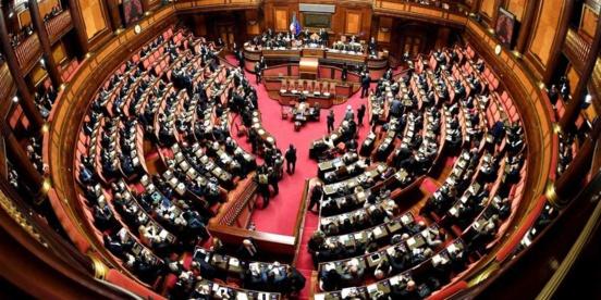 Italie : Accord parlementaire entre la coalition de droite/extrême-droite et le M5S