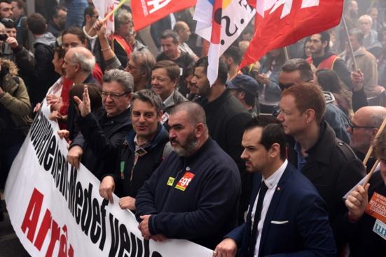 """58.000 manifestant.e.s à Marseille pour dire """"stop"""" à Macron"""