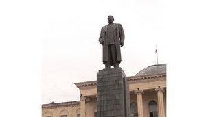Destruction de la statut de Staline à Gori (Géorgie) : indignation du KPRF