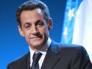 Quand Sarkozy lave plus blanc que Le Pen ! : Communiqué de presse du PCF 13