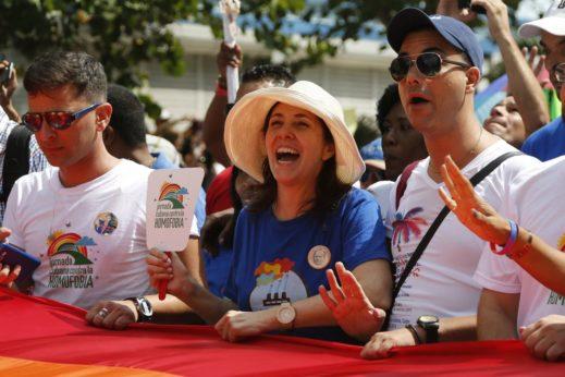 La nouvelle révolution du socialisme: Les droits LGBTQ au Vietnam et à Cuba
