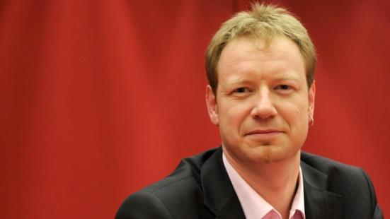 """Motion de censure : """"Pour changer de cap, il faut changer de gouvernement"""" explique un député PCF"""