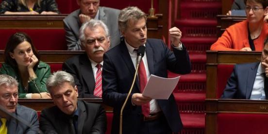 """Le secrétaire national du PCF va proposer de """"taxer les multinationales à la source"""""""