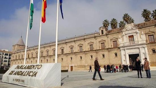 La droite (PP-C's) et l'extrême droite (VOX) s'unissent pour diriger l'Andalousie