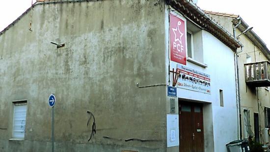 Tirs de carabine sur la façade de la section communiste de Lézignan-Corbières
