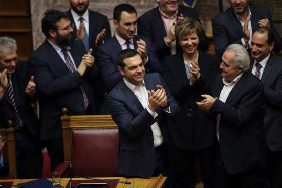 Alexis Tsipras remporte son vote de confiance au Parlement