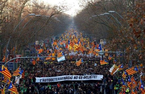 """500.000 manifestant.e.s à Barcelone pour réaffirmer que """"l'autodétermination n'est pas un crime"""""""