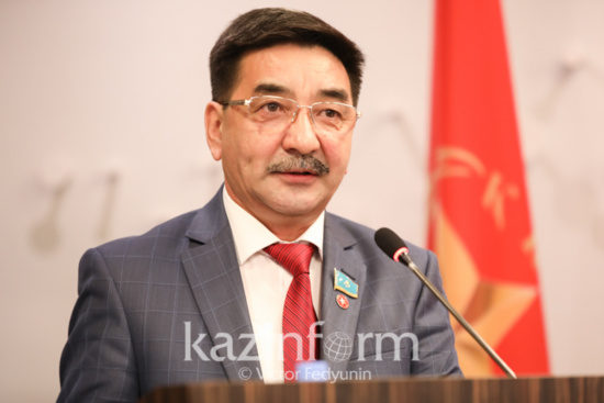 Zhambyl Ahmetbekov portera les couleurs du Parti Communiste pour les élections présidentielles kazakhs