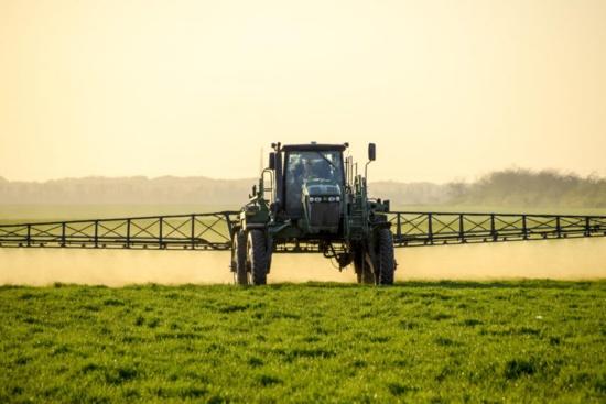 Le Val-de-Marne devient le premier département de France à bannir le glyphosate