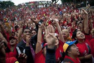 Les partisans d'Hugo Chavez célèbrent les 10 ans du putsch raté au Venezuela