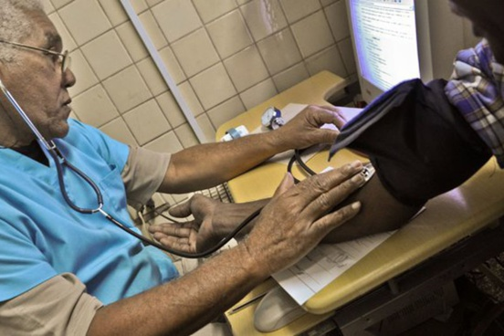 Coronavirus : les médecins cubains seront autorisés à venir en Martinique