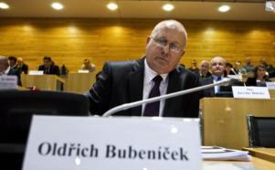 République Tchèque : Un communiste élu gouverneur !