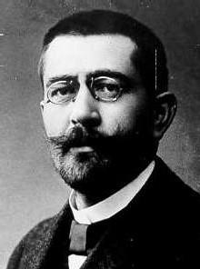 Aussi bas que le social-traitre Gustav Noske!