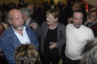 Marie George Buffet entourée de Jean Paul Israël (CGT SNCM) et Patrick Candela (CGT Neslé St Menet)