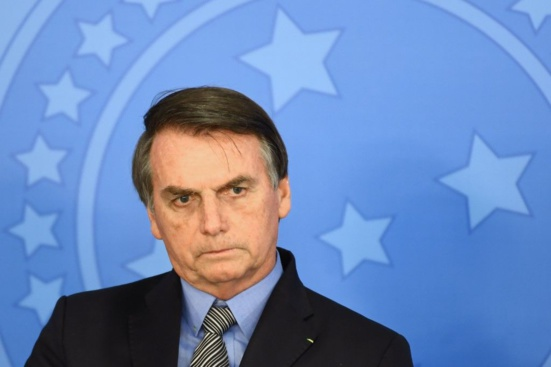Un rapport parlementaire accuse Jair Bolsonaro de 11 crimes, dont celui de génocide