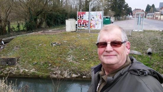 Agression d'un colleur d'affiche du PCF par l'UMP à Saint Quentin