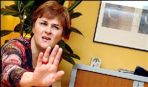 J'ai rien branlé au ministère de l'écologie, j'ai été incapable de gérer la crise de l'Erika, je suis je suis ?... Dominique Voynet
