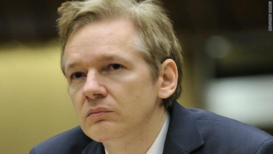 Hollande rejette la demande d'asile de Julian Assange