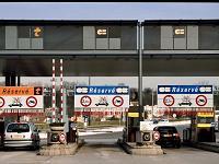 Carburants: opération 'péage gratuit' du PCF sur l'A1 près d'Arras