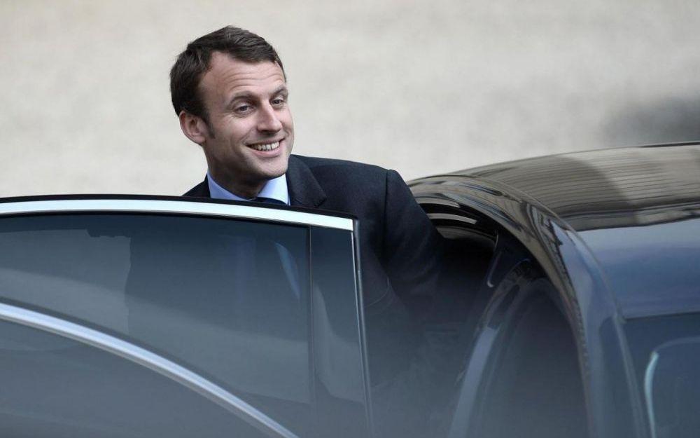 """Les """"illettrées"""", """"les pauvres"""" en autocar, les syndicalistes ... te disent byebye Macron"""