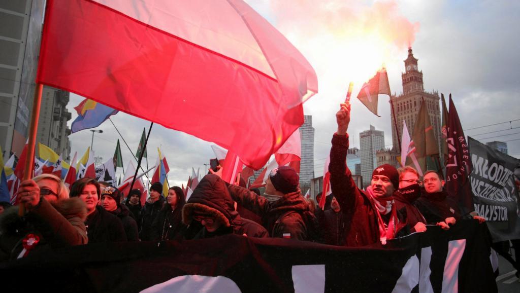 Pologne : 60.000 néonazis défilent en toute légalité (rappelons que le communisme est interdit)