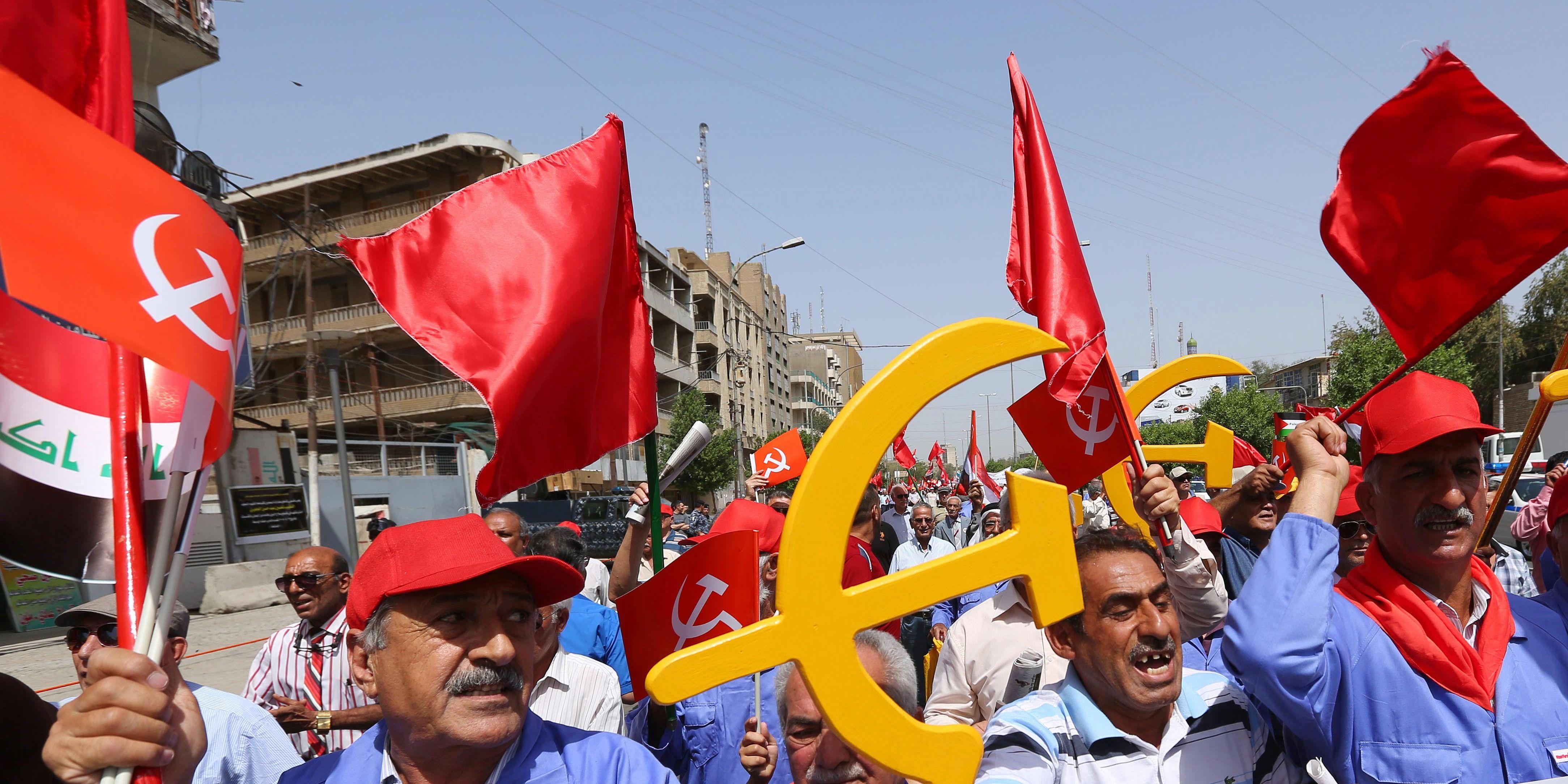 En Irak,  le turban noir des religieux chiites s'allie à la faucille et au marteau pour les élections