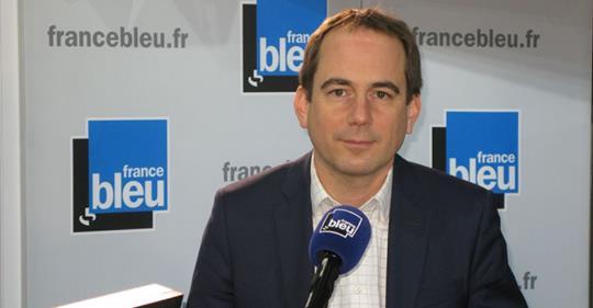 Patrice Bessac, maire (PCF) de Montreuil va encadrer les loyers