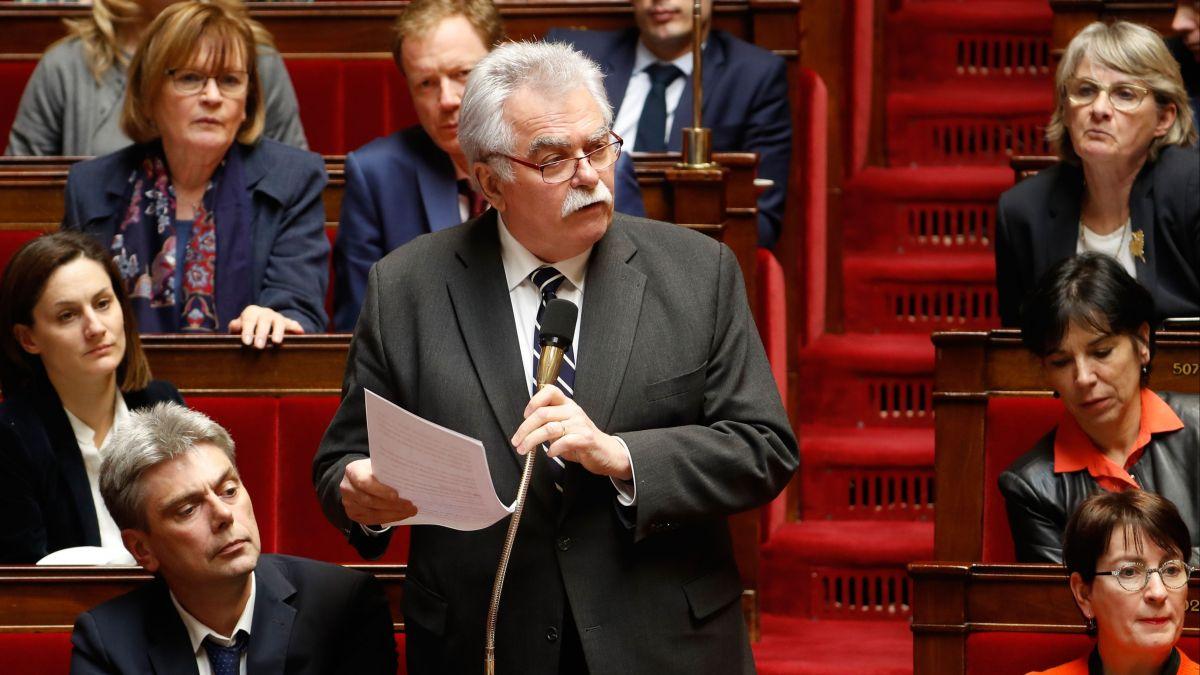 """André Chassaigne (PCF) dénonce l""""indifférence"""" du gouvernement aux """"cris du peuple"""""""