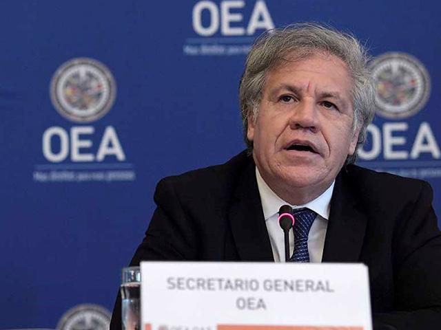 Le Secrétaire général de l'OEA, Luis Almagro, a été exclus du Frente Amplio (Uruguay)