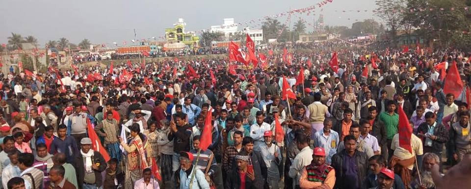 Des milliers de paysan.ne.s se mobilisent à Palashi pour le partage des terres