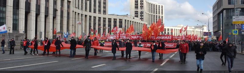 Des dizaines de milliers de communistes mobilisés contre les politiques de Poutine