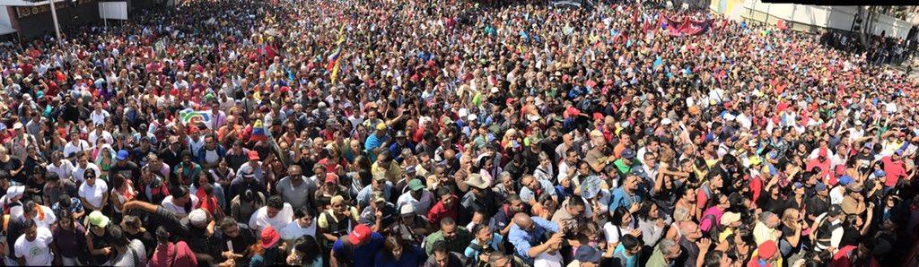 Le peuple est dans la rue pour défendre sa révolution et son gouvernement