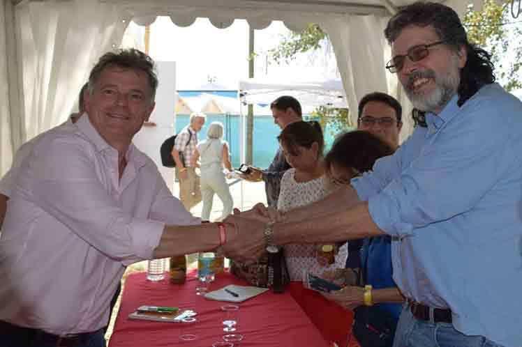Les partis communistes français et cubain renforcent leurs liens à la fête de L´Humanité