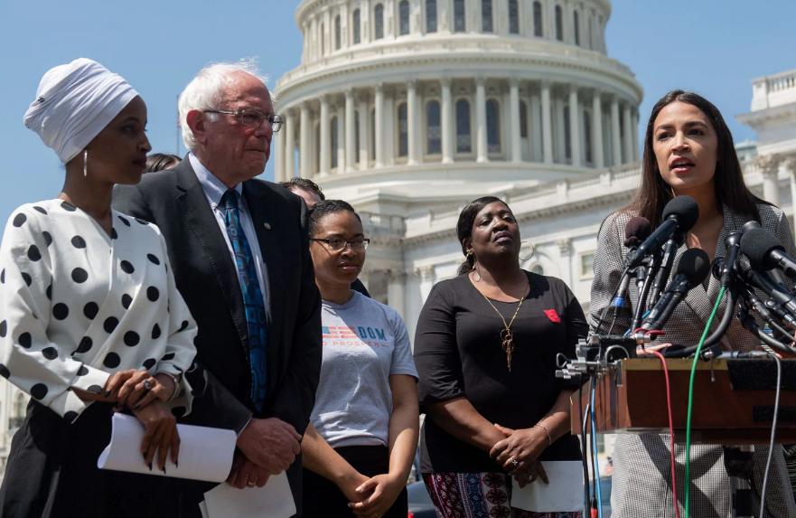 Alexandria Ocasio-Cortez soutiendra Bernie Sanders à la primaire des démocrates